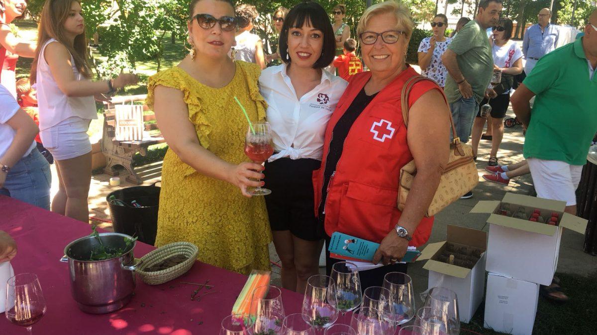 Cruz Roja consigue recaudar mil euros en la Feria del Vino