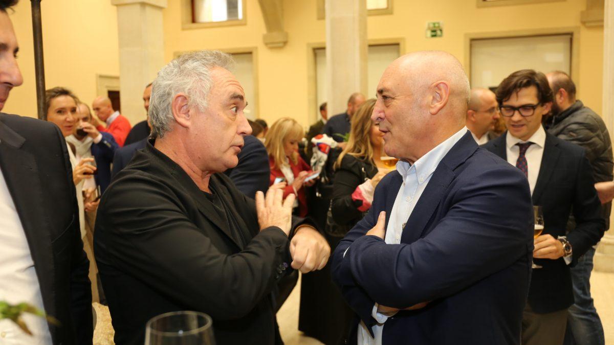 La DO LEÓN sirve los vinos en el homenaje al Chef Ferrán Adriá