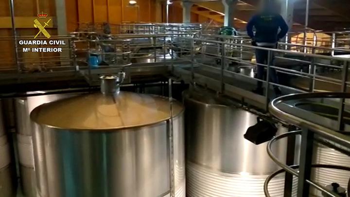 Desarticulada una banda que vendía vino fraudulento bajo las etiquetas DO Bierzo y Vino de la Tierra de Castilla y León