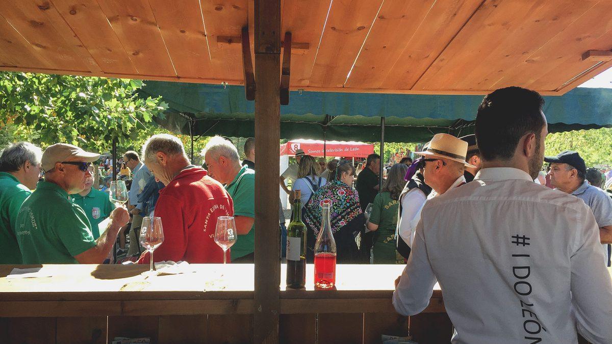 La DO León participa en la primera Feria del Vino en el Camino Francés
